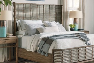 Rattan bed with solid wood side rails