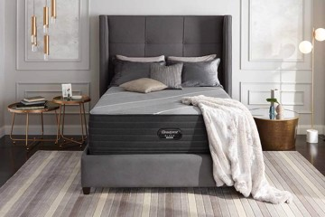 Beautyrest Mattress with pillows and throw