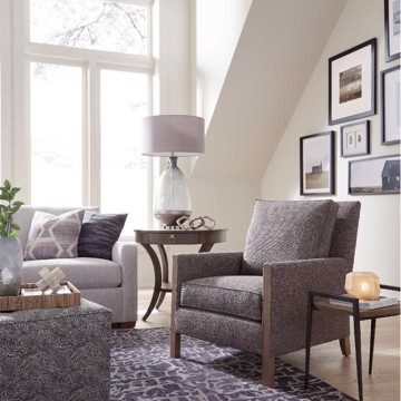 Huntington House casual living room sofa and accent chair