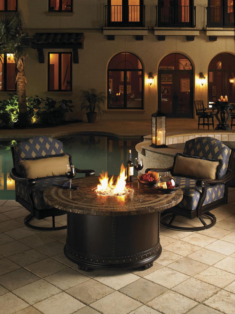 LEXINGTON HOME BRANDS - Kingstown Swivel Lounge Chair