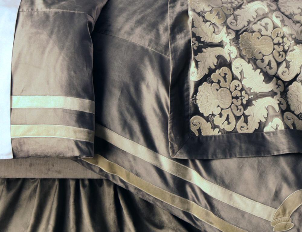 Lili Alessandra - Versailles Queen Duvet