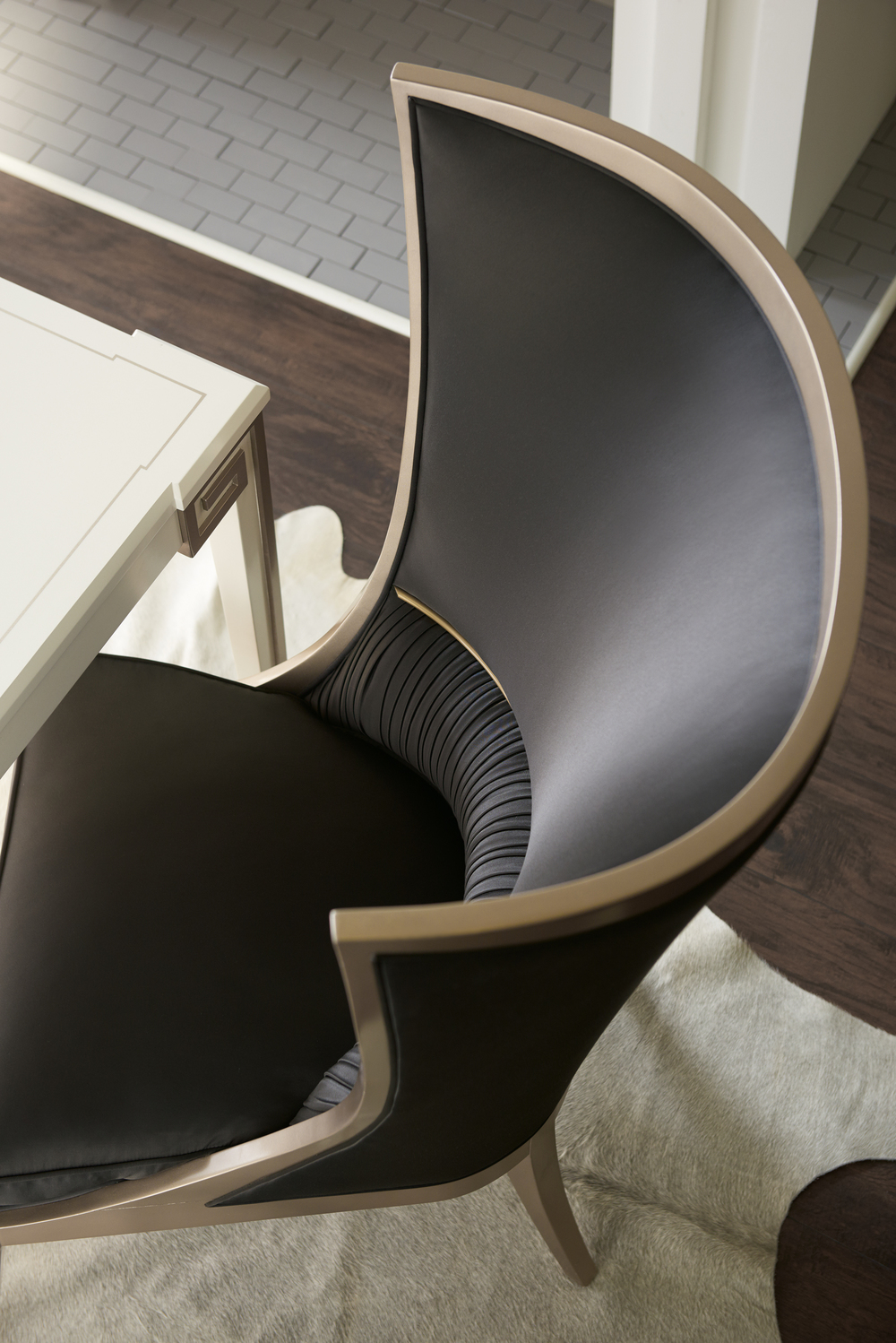 Caracole - Pop Your Collar Chair