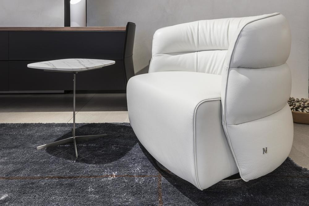 Natuzzi Italia - Couture Swivel Chair