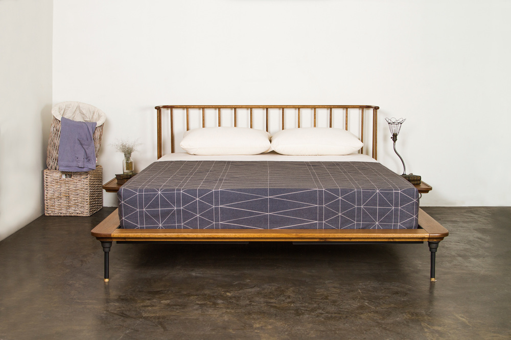 Nuevo - Distrikt King Bed