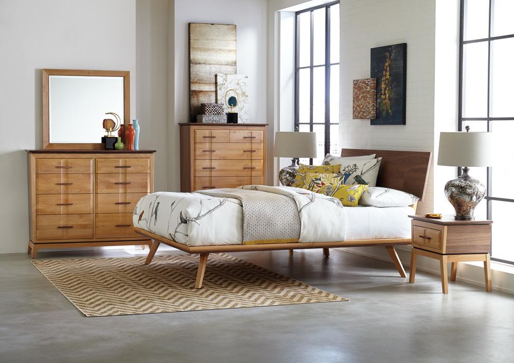 Whittier Wood Furniture - One Drawer Nightstand