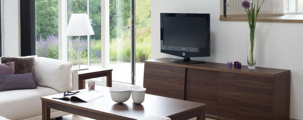 Skovby - TV/Hi-Fi Lowboard w/ Remote Link
