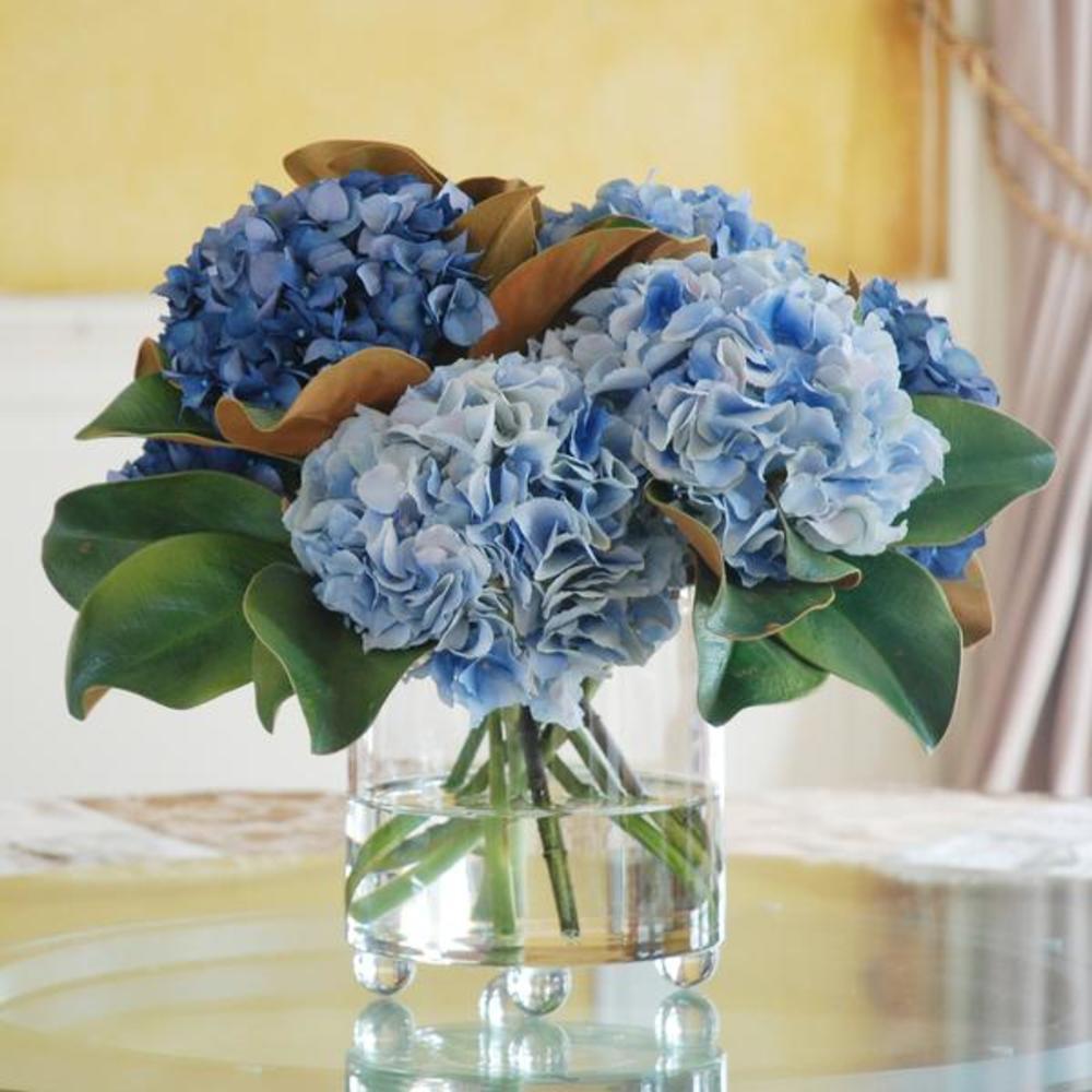 Winward - Blue Hydrangea, Footed Glass (Blue)