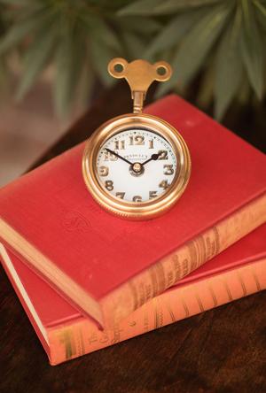 Thumbnail of Pendulux - Mouse Table Clock