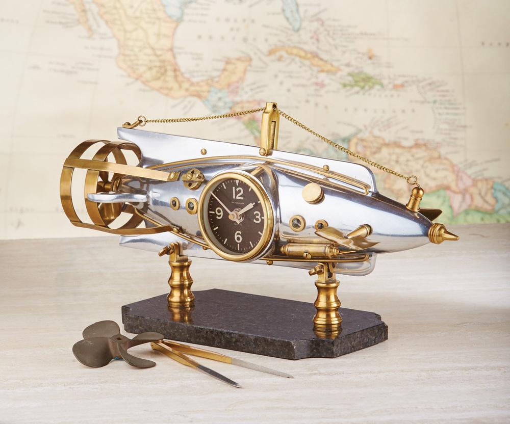 Pendulux - Nautilus Table Clock, Aluminum