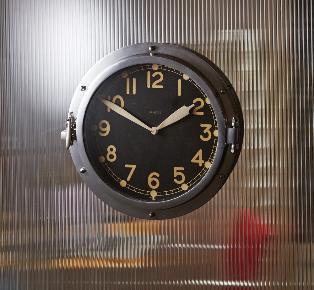 Pendulux - Airship Wall Clock