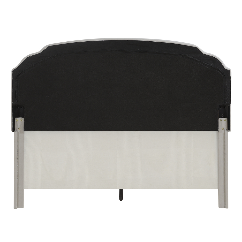 Accentrics Home - Queen One Box Nail Tufted Back Bed