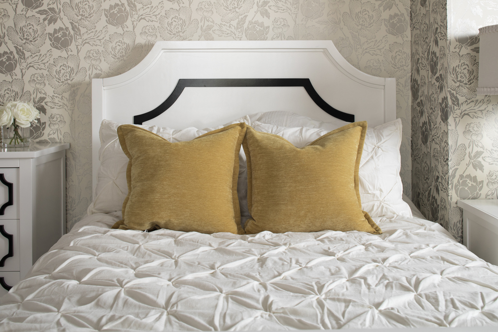 Newport Cottages - Beverly Wood Panel Bed