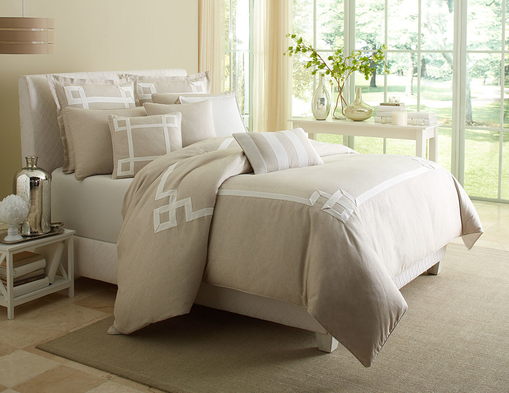 Michael Amini - Avenue A King Comforter Set, 10 pc