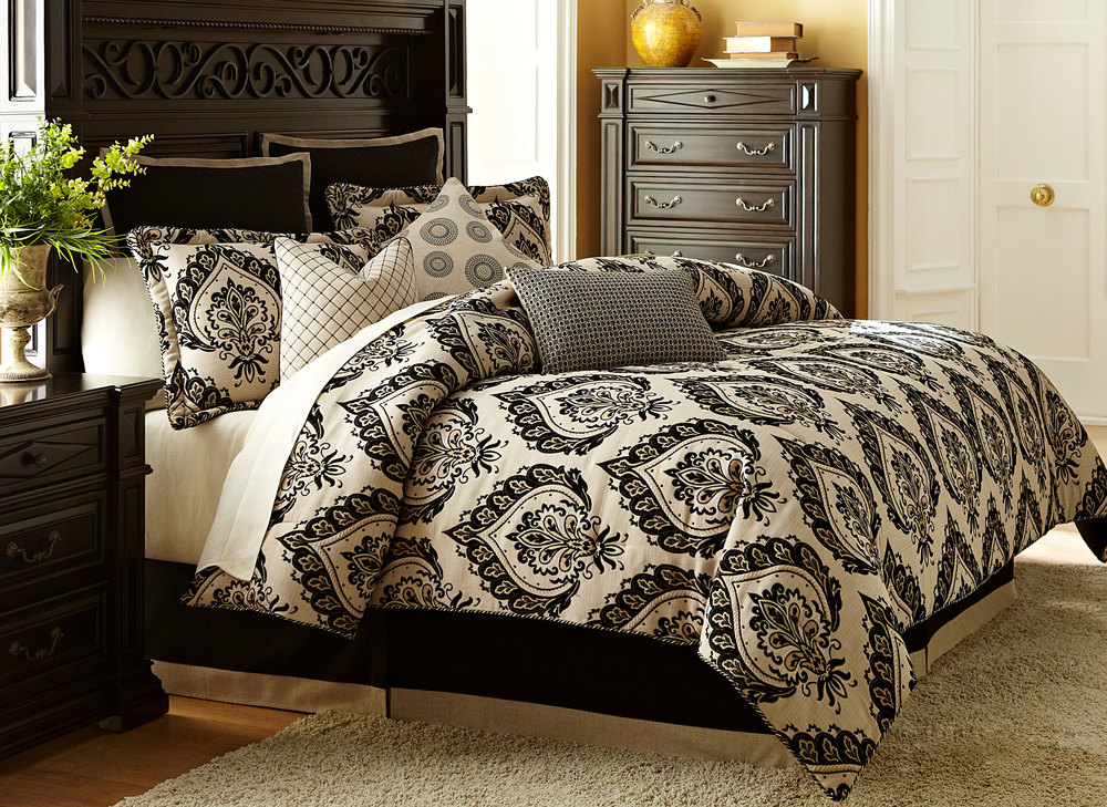 Michael Amini - Equinox King Comforter Set, 10 pc