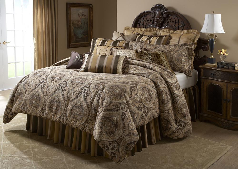 Michael Amini - Lucerne King Comforter Set, 13 pc