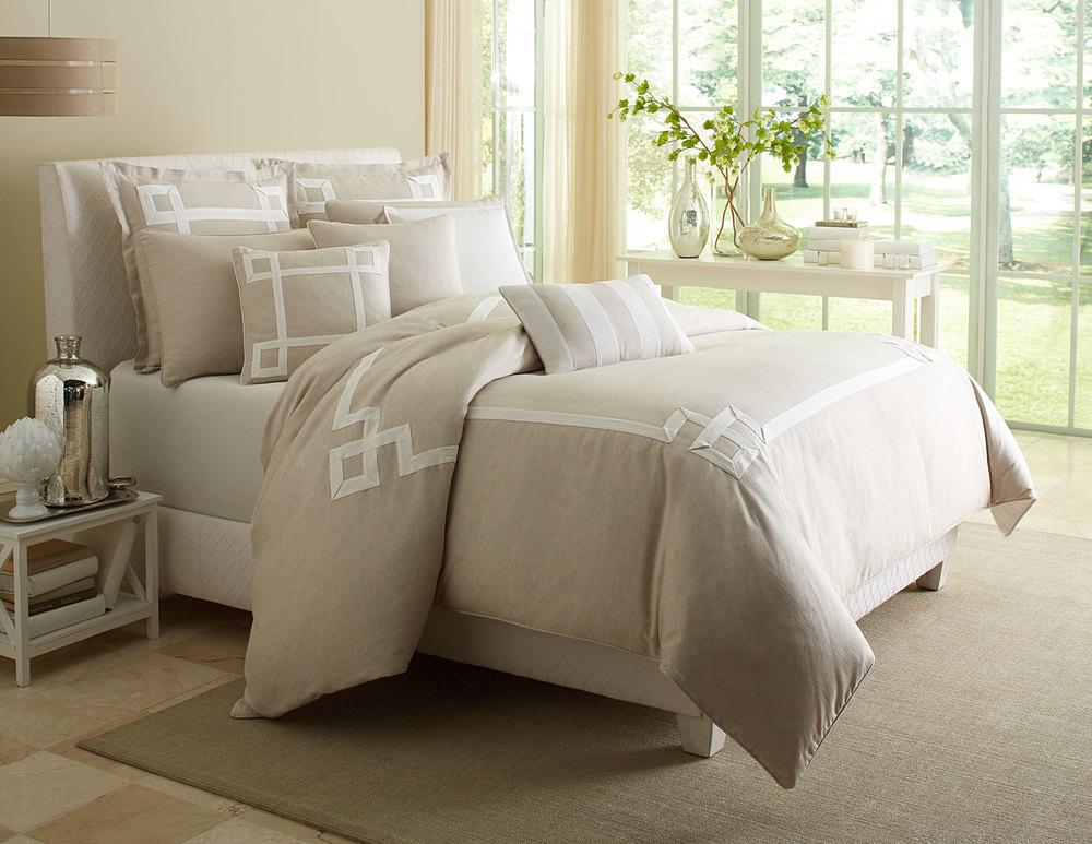 Michael Amini - Avenue A Queen Comforter Set, 9 pc