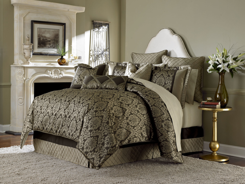 Michael Amini - Imperial Queen Comforter Set, 9 pc