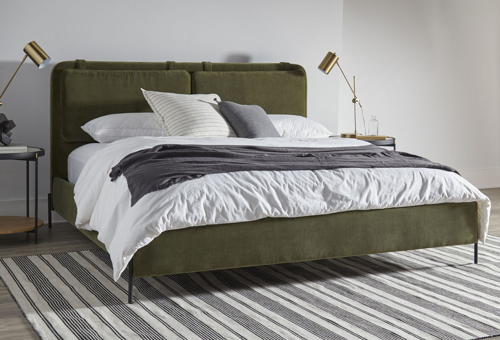 A.R.T. Furniture - Kirkeby King Upholstered Bed