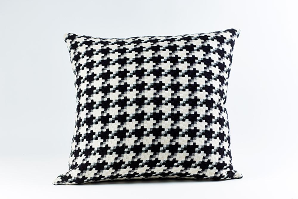 Ann Gish - Le Chic Pillow
