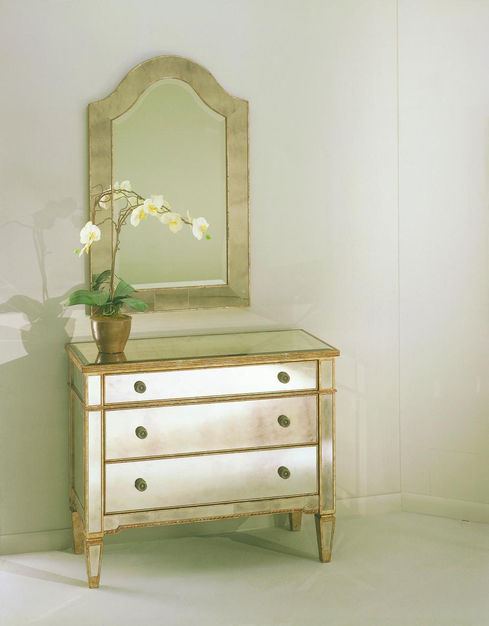 Bassett Mirror Company - Borghese Three Drawer Hall Chest