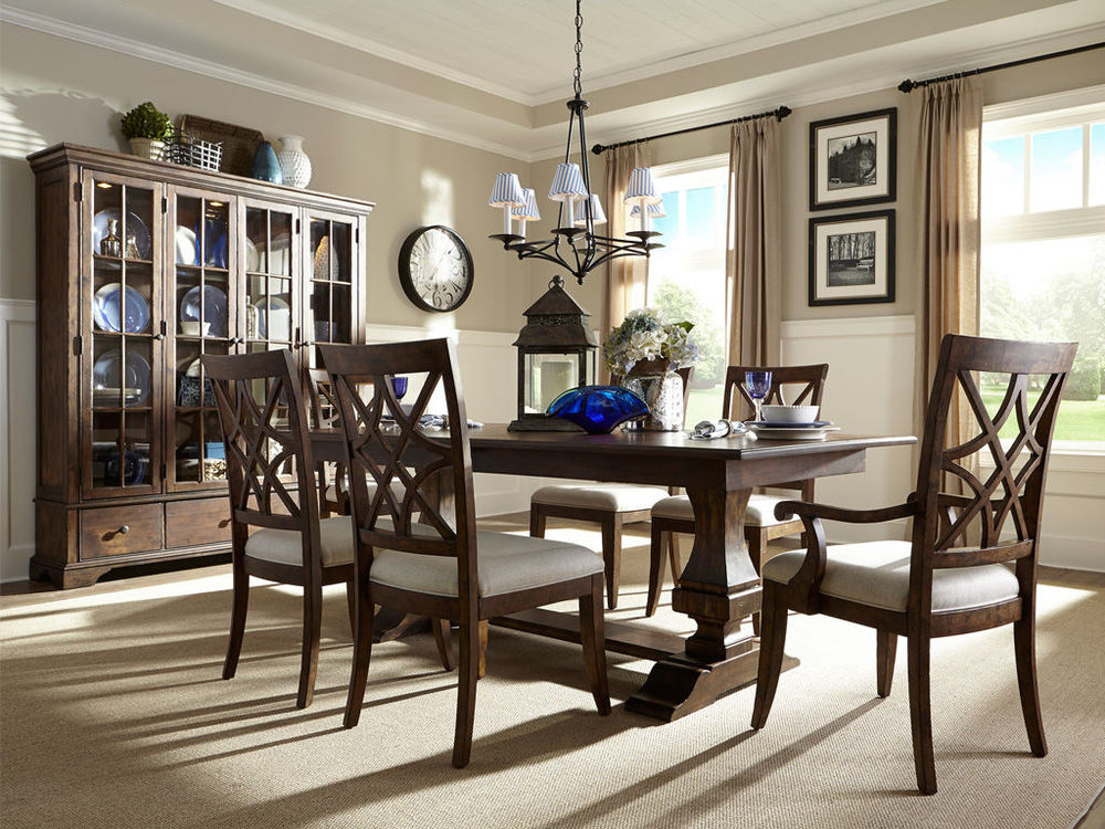 Klaussner Home Furnishings - Dining Room Table