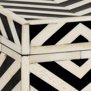 Thumbnail of Chelsea House - Peru Box