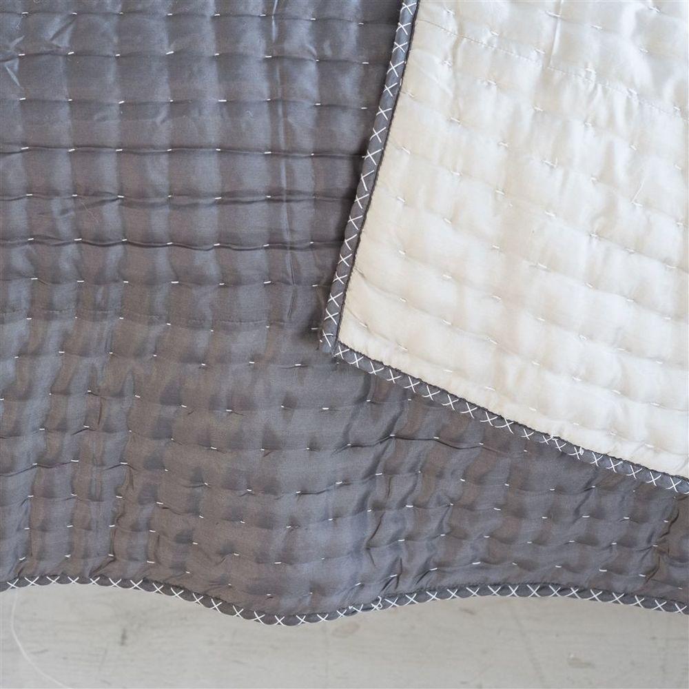 Designers Guild - Chenevard Silver & Slate Quilt