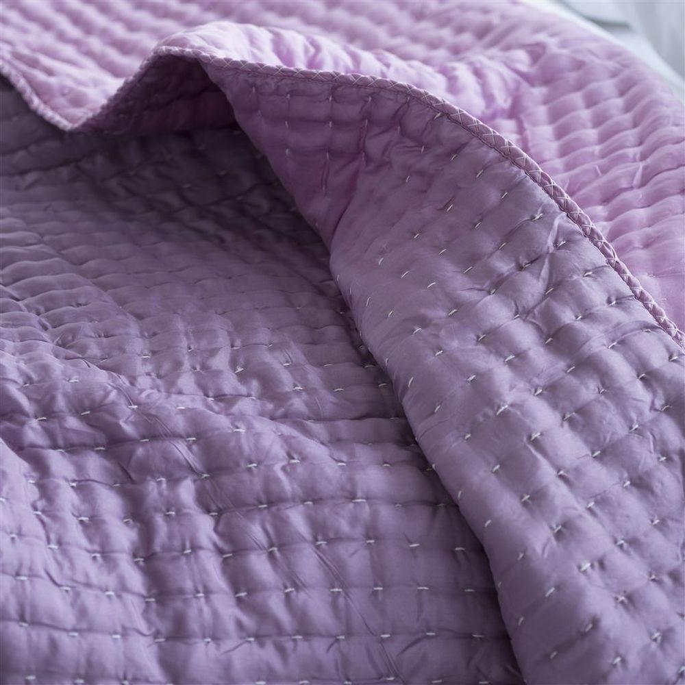 Designers Guild - Chenevard Damson & Magenta Standard Quilt