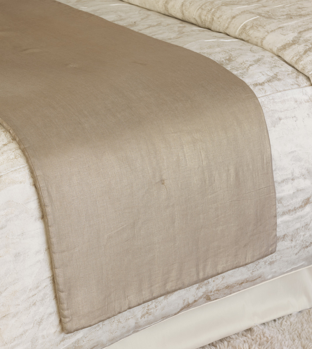Eastern Accents - Aeriel Gold Bed Scarf