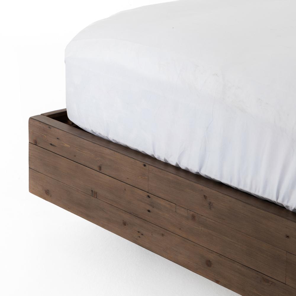 Four Hands - Viva Queen Bed