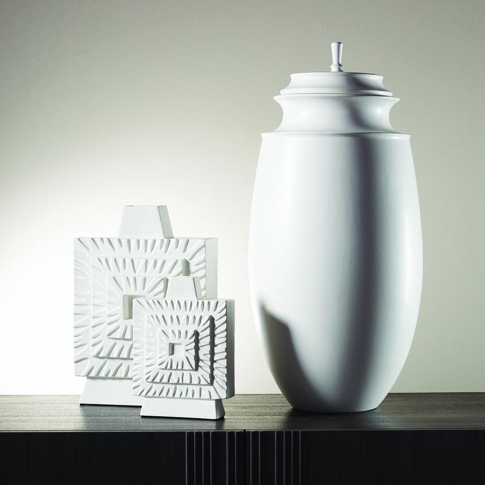Global Views - Grande Cornice Jar