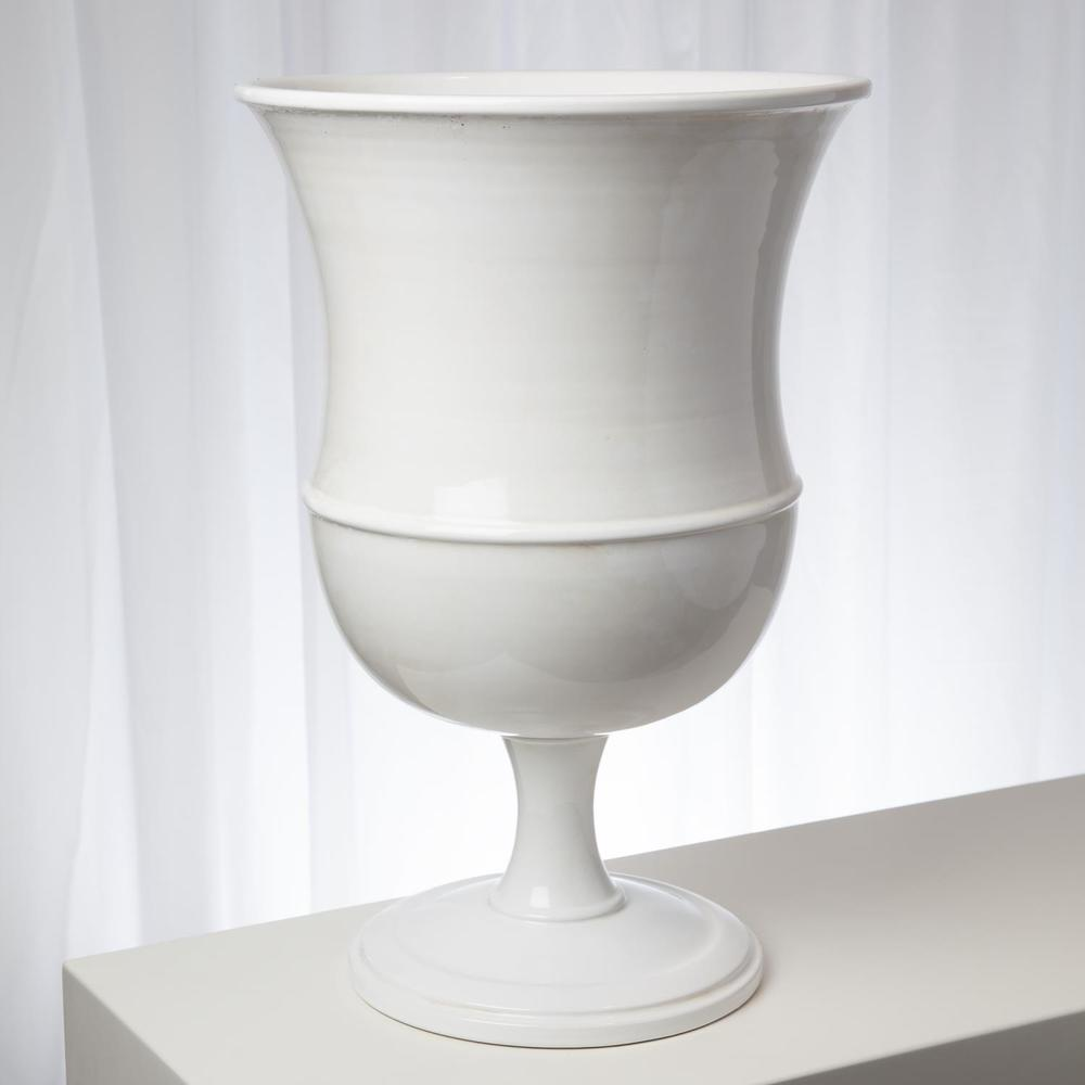 Global Views - Classic Urn