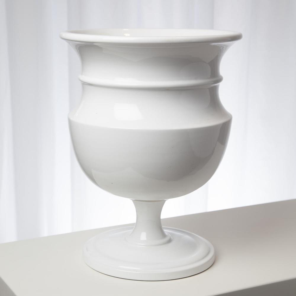 Global Views - Classic Urn