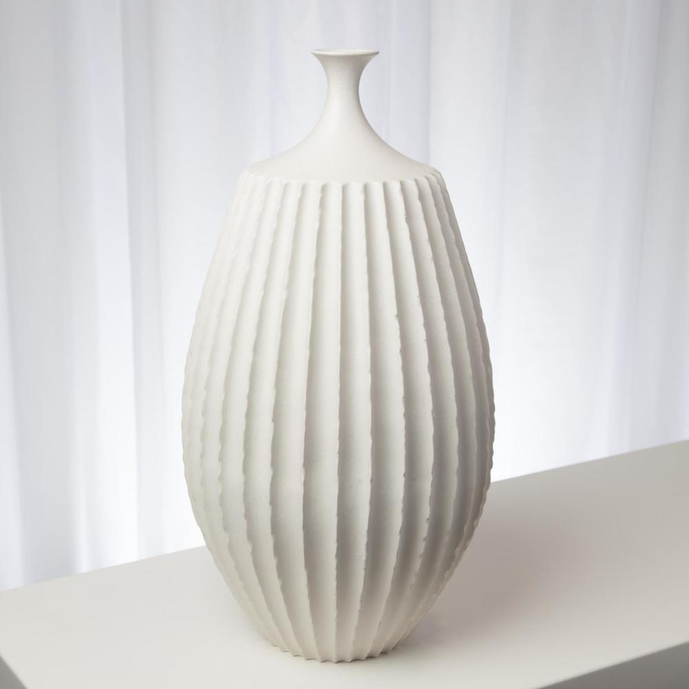 Global Views - Sawtooth Vase