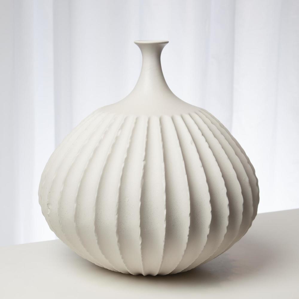 Global Views - Sawtooth Vase