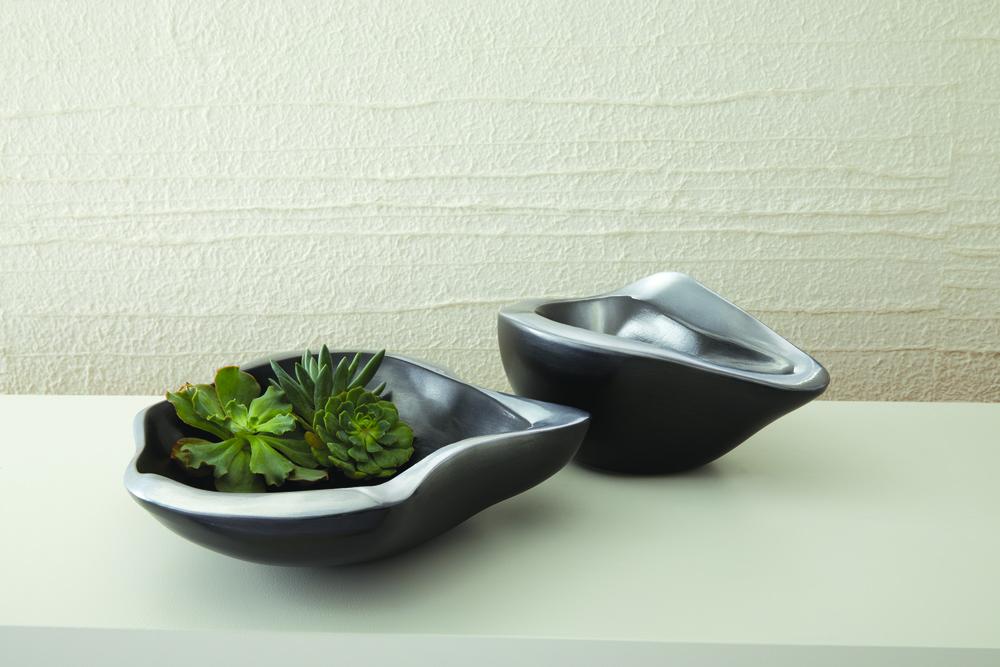 Global Views - Formation Bowl, Black/Platinum, Small