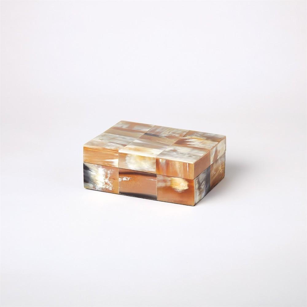 Global Views - Sierra Horn Box