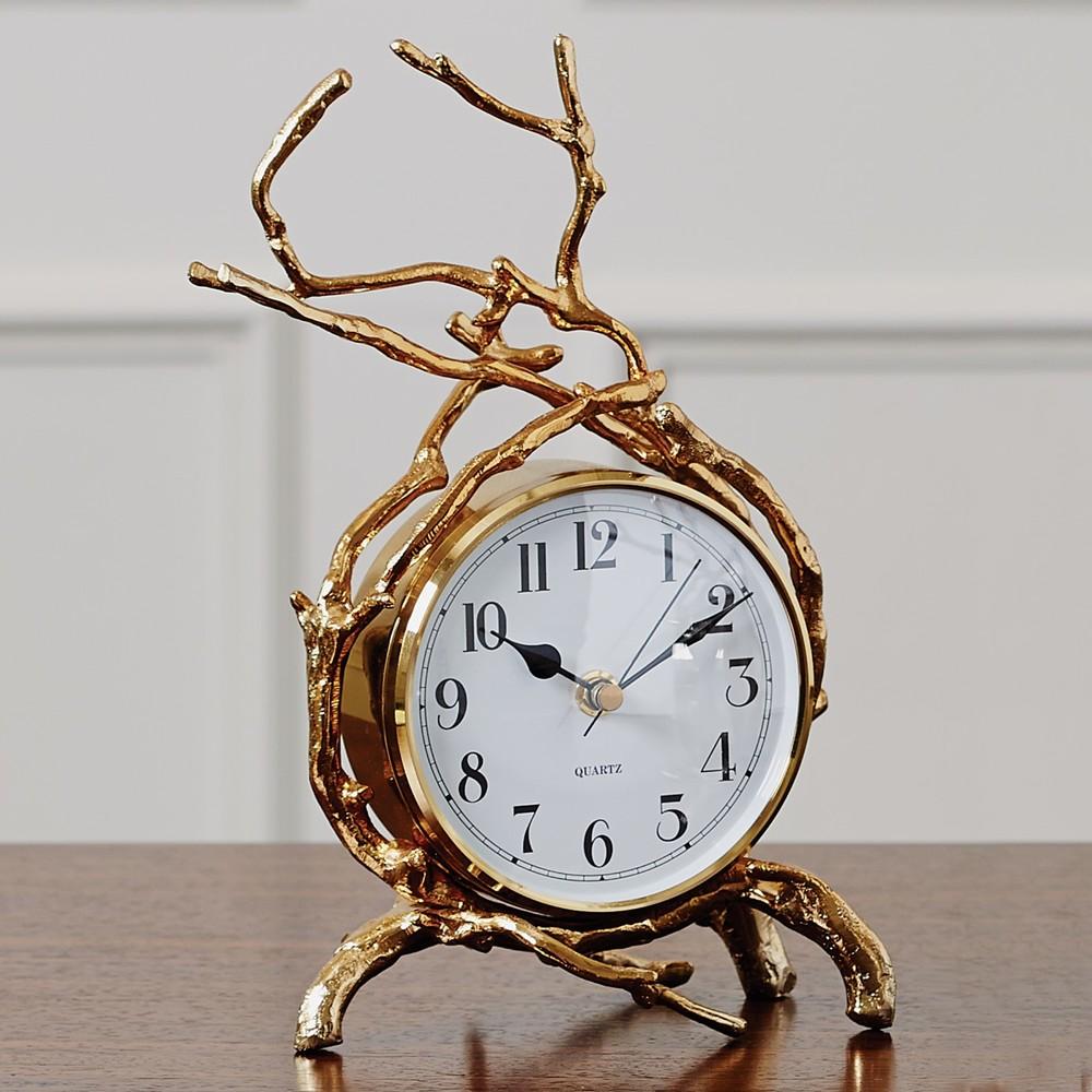 Global Views - Twig Clock