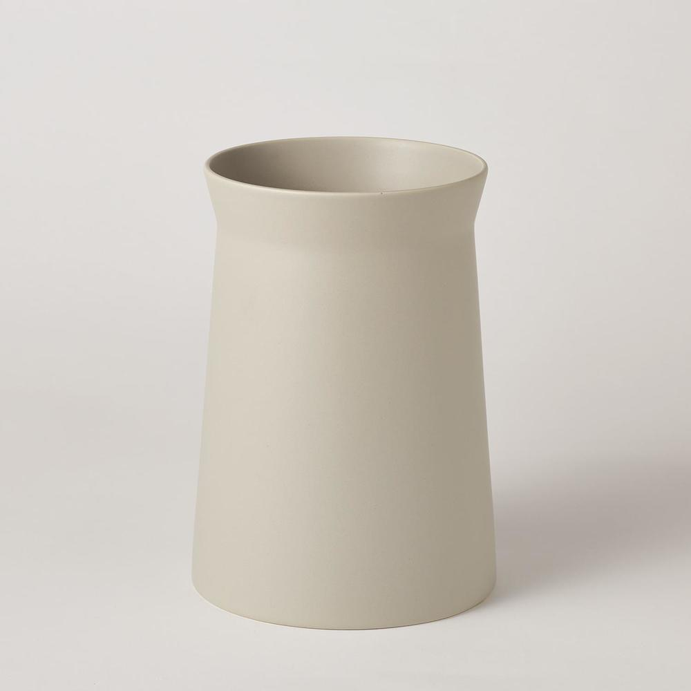 Global Views - Soft Curve Vase