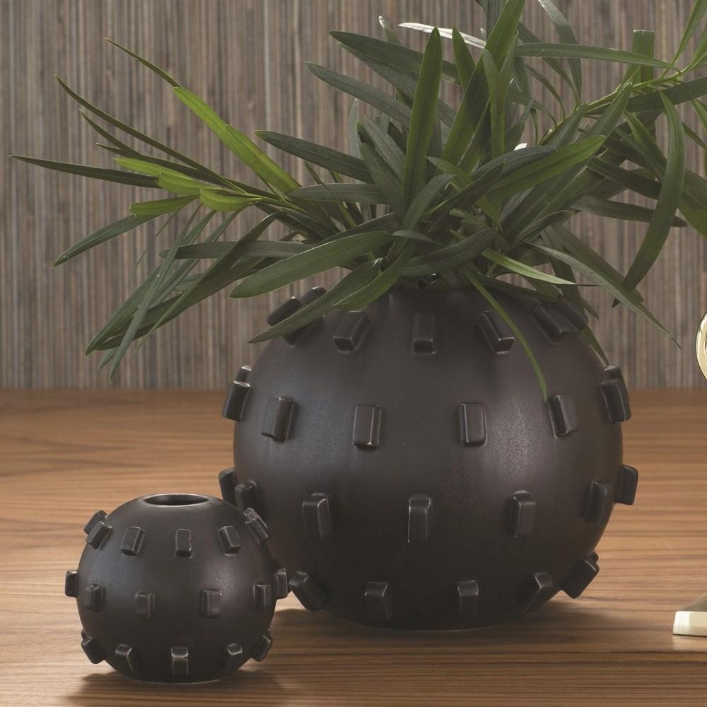 Global Views - Thielo Vase, Matte Black, Small
