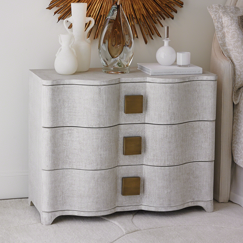 Global Views - Toile Linen Chest