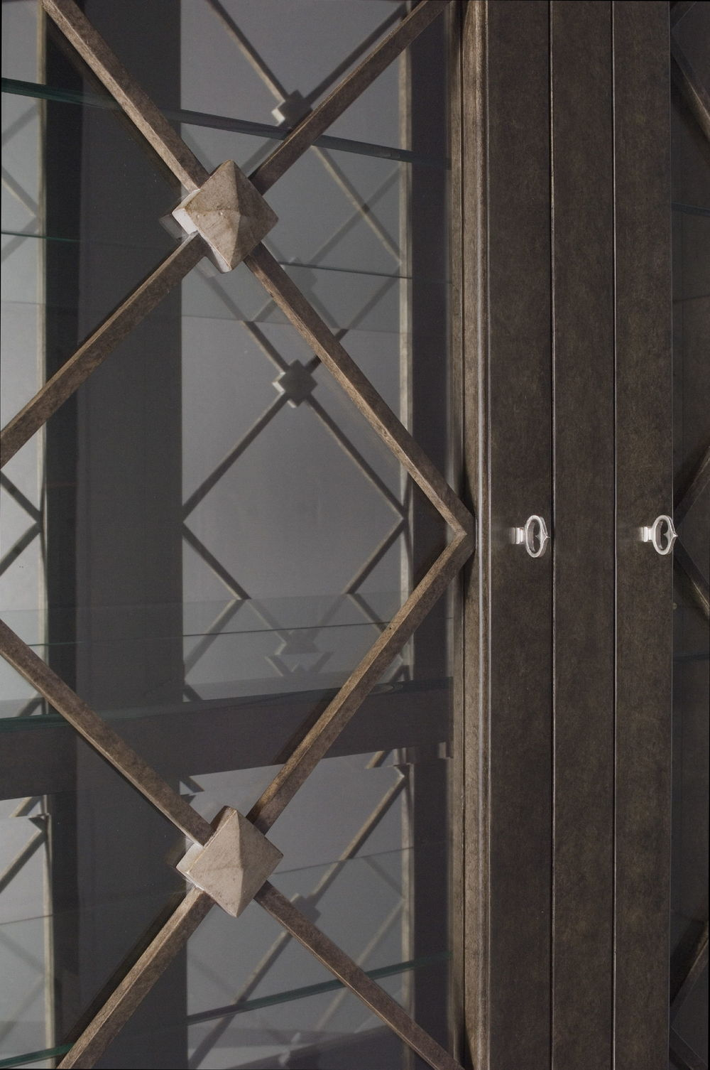 Chaddock - Englewood Display Cabinet in Grey Renaissance