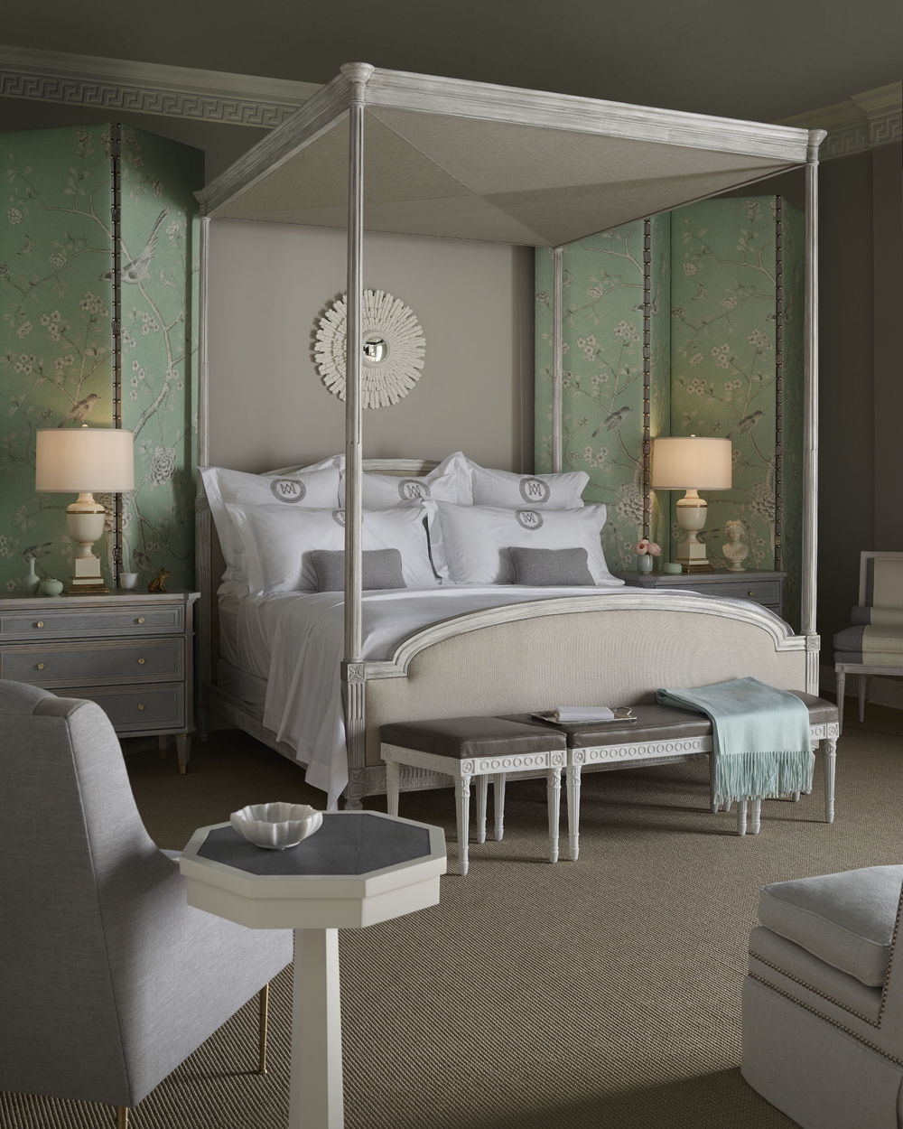 Chaddock - Antoinette Canopy Bed