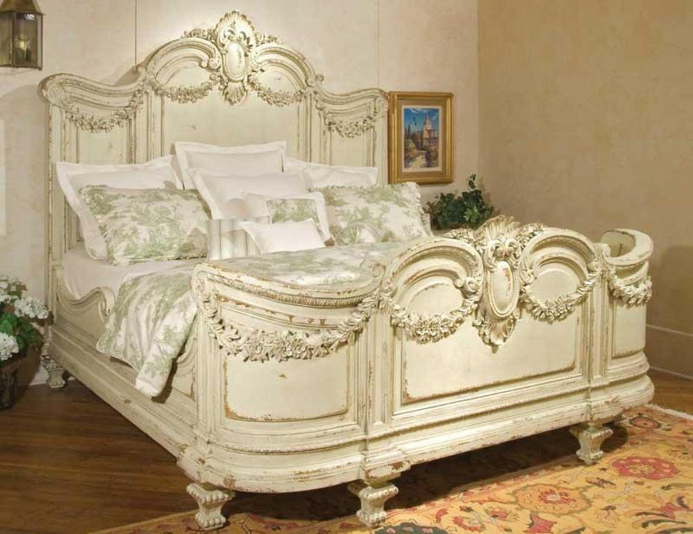 Habersham - Florentina King Bed w/ Garland
