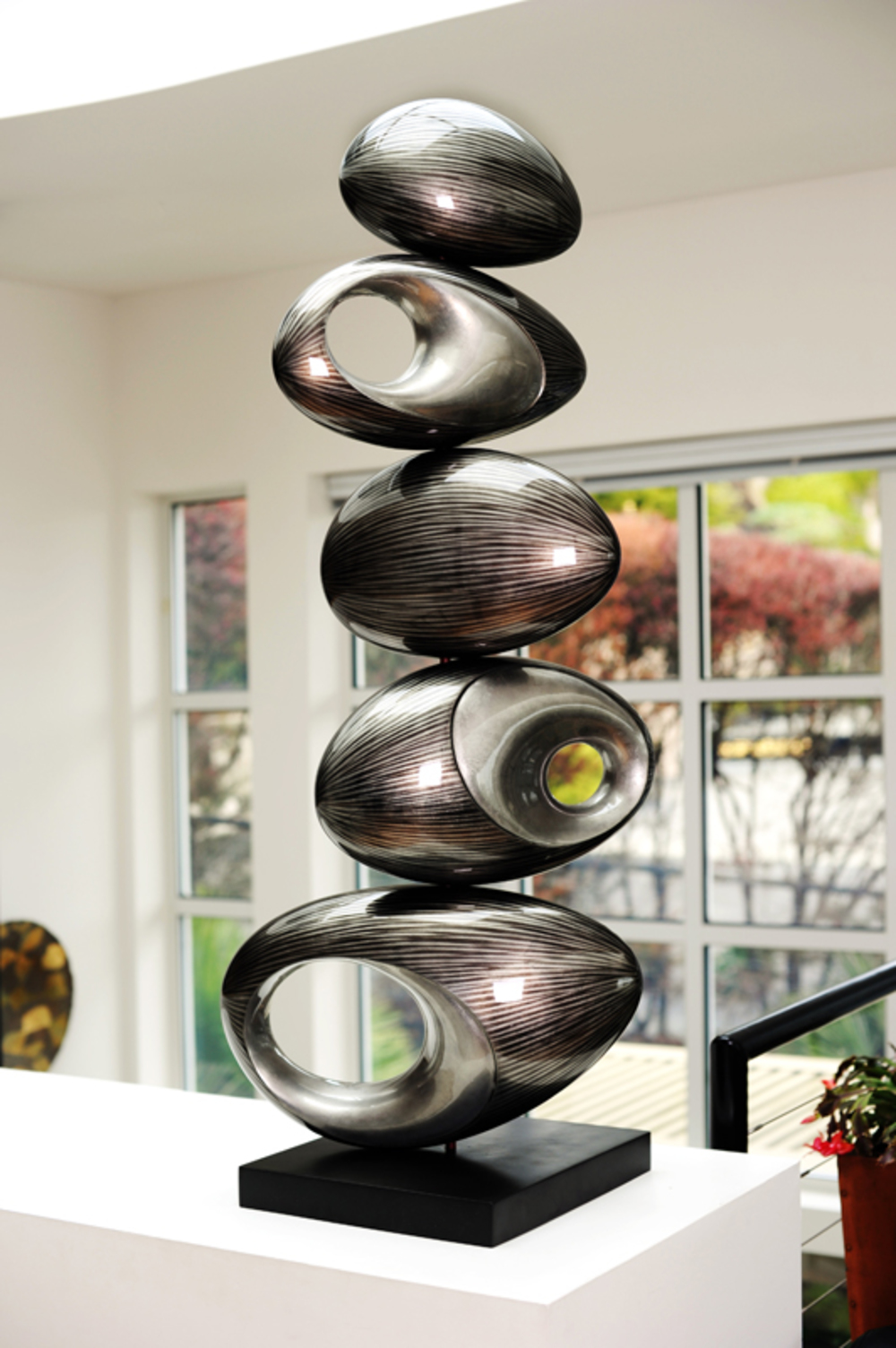 Hebi Arts - Rock Sculpture
