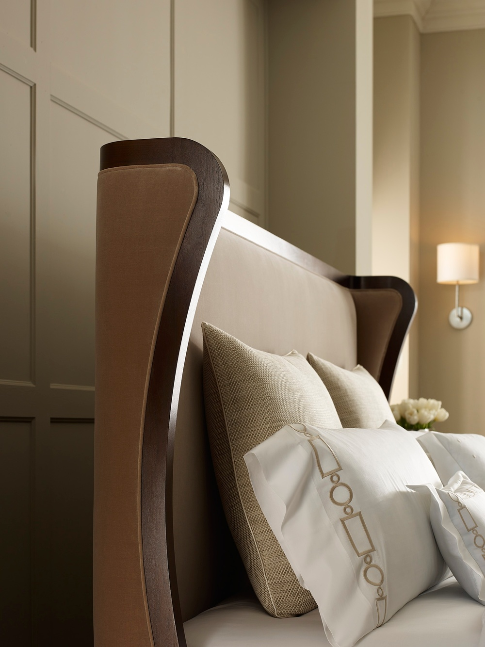Hickory Chair - Cliveden King Bed