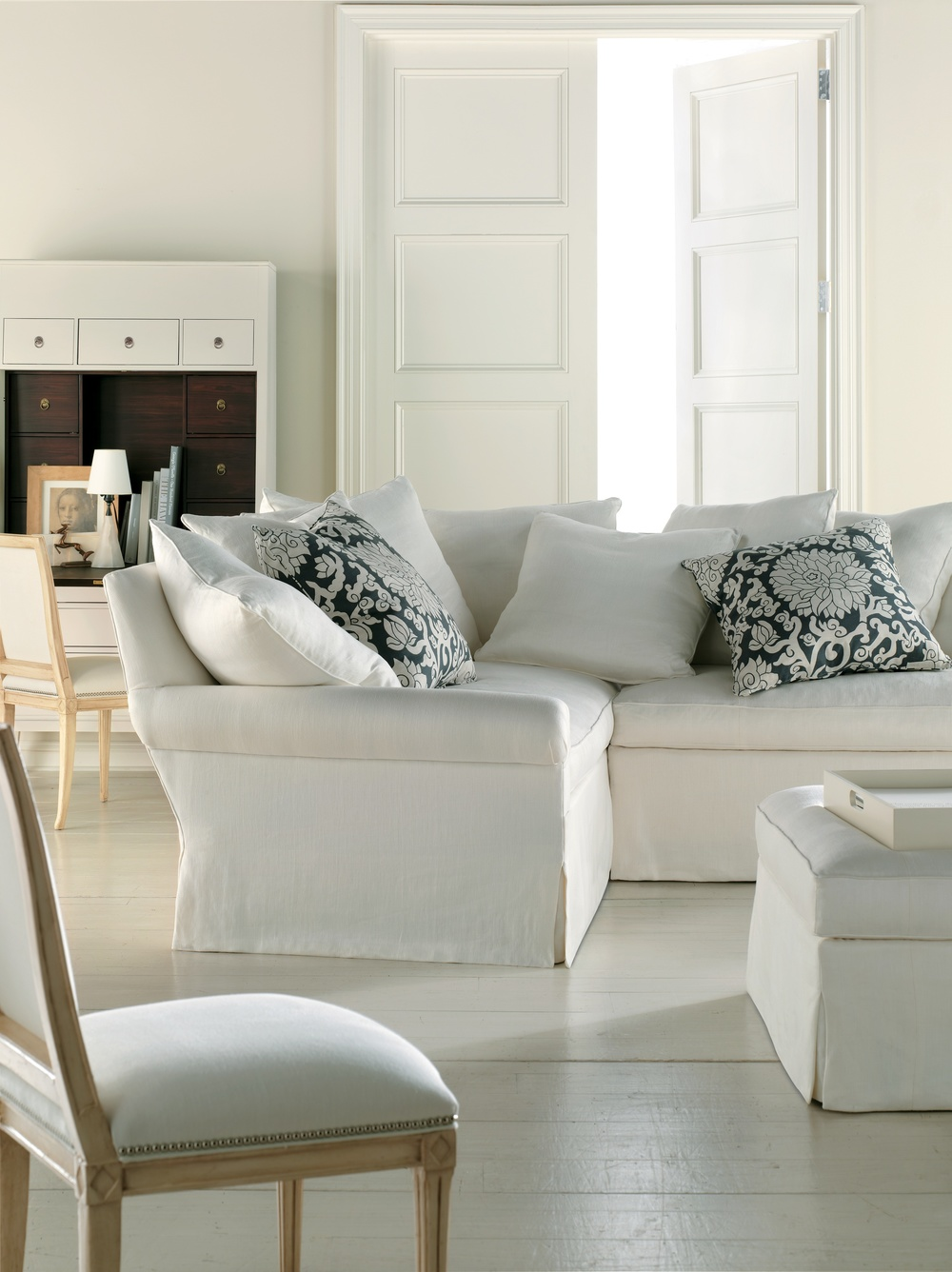 Hickory Chair - Silhouettes Sectional