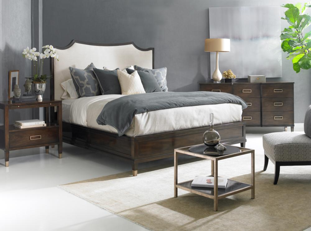 Hickory White - Ashleigh King Upholstered Bed