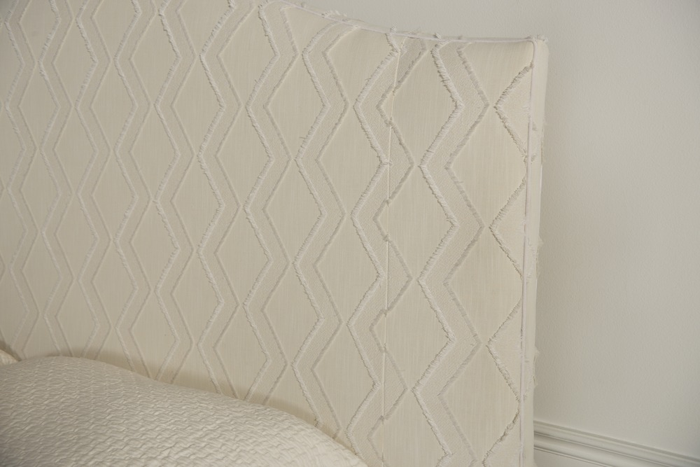 Highland House - Mia King Upholstered Bed