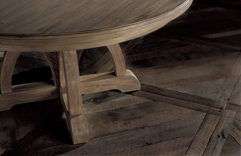 Hooker Furniture - Round Dining Table w/ One Leaf